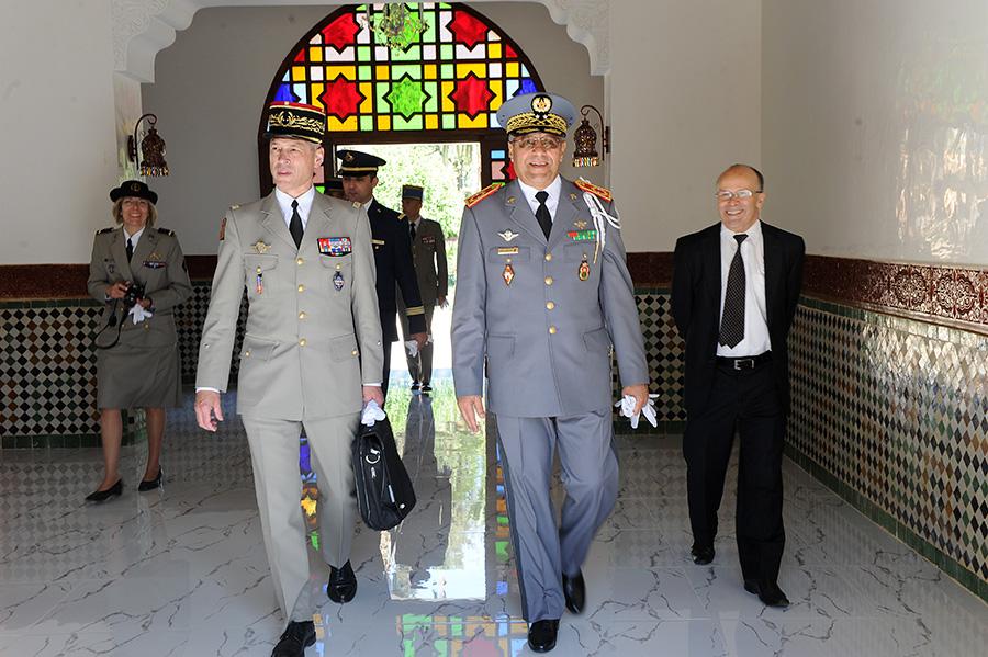 Coopération militaire Maroco - Française  - Page 3 EMIA-la-promotion-General-Delayen-au-Maroc-sur-les-traces-de-son-parrain-Mai-2015-Photo-12-C-Driss-BENMALEK