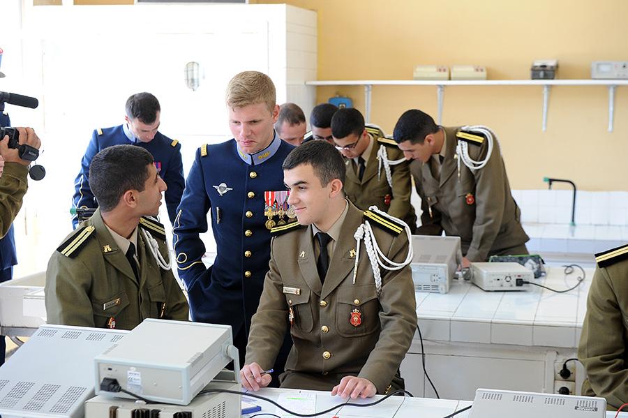 Coopération militaire Maroco - Française  - Page 3 EMIA-la-promotion-General-Delayen-au-Maroc-sur-les-traces-de-son-parrain-Mai-2015-Photo-14-C-Driss-BENMALEK
