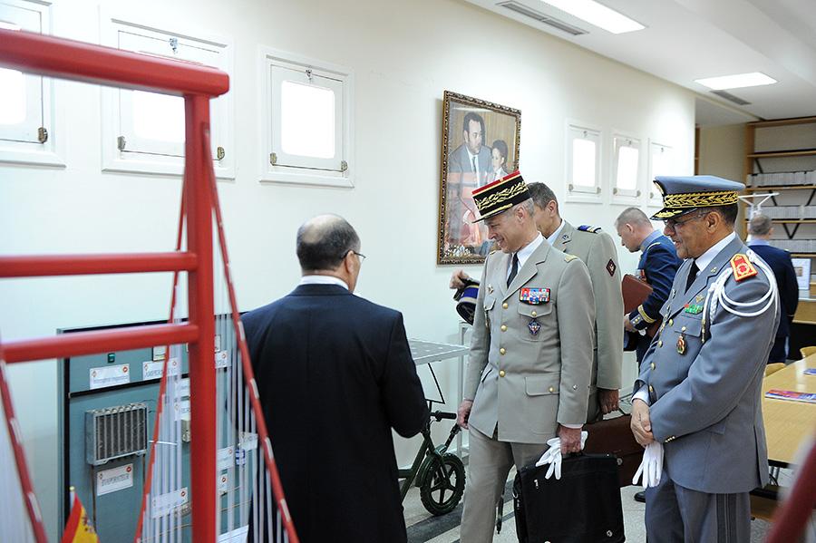 Coopération militaire Maroco - Française  - Page 3 EMIA-la-promotion-General-Delayen-au-Maroc-sur-les-traces-de-son-parrain-Mai-2015-Photo-16-C-Driss-BENMALEK