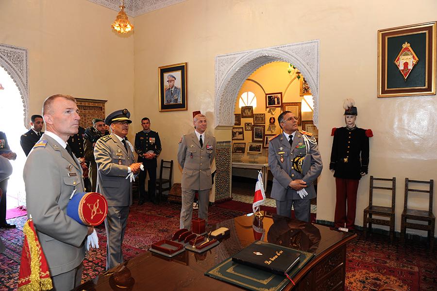 Coopération militaire Maroco - Française  - Page 3 EMIA-la-promotion-General-Delayen-au-Maroc-sur-les-traces-de-son-parrain-Mai-2015-Photo-24-C-Driss-BENMALEK