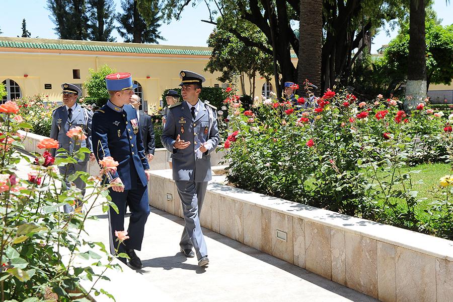 Coopération militaire Maroco - Française  - Page 3 EMIA-la-promotion-General-Delayen-au-Maroc-sur-les-traces-de-son-parrain-Mai-2015-Photo-29-C-Driss-BENMALEK