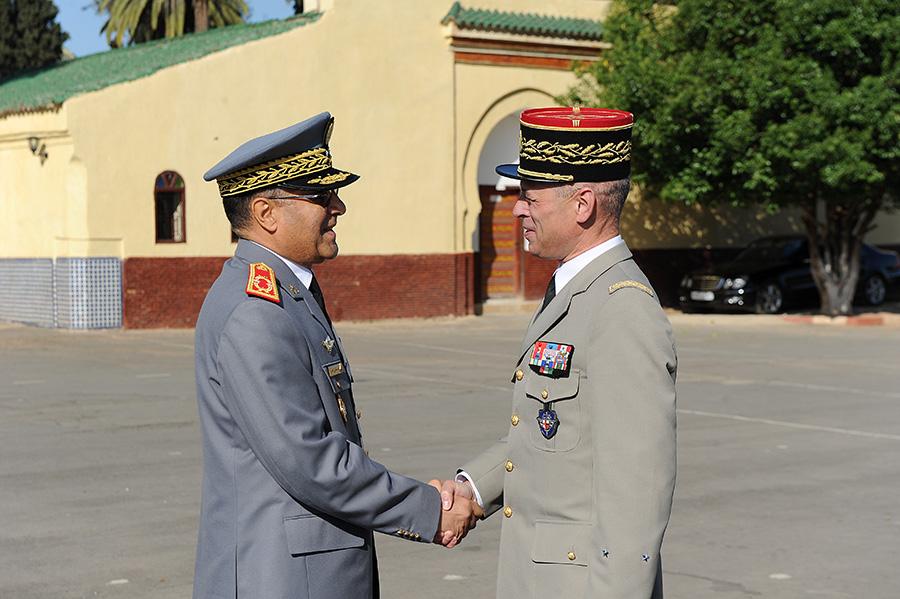 Coopération militaire Maroco - Française  - Page 3 EMIA-la-promotion-General-Delayen-au-Maroc-sur-les-traces-de-son-parrain-Mai-2015-Photo-5-C-Driss-BENMALEK